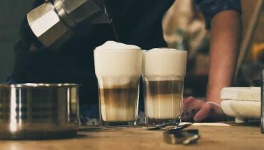 Kawa Espresso a może z kawiarki? Jak efektywnie pić kawę?